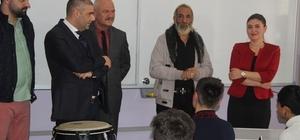 Şarkıcı Tarık Mengüç Kırklareli'nde öğrencilerle buluştu