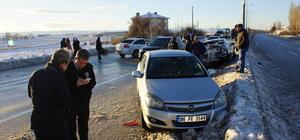 Ankara'da iki zincirleme trafik kazası: 15 yaralı