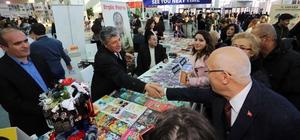 Başkan Yaşar Ankara Kitap Fuarında