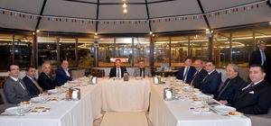 Vali Süleyman Elban, belediye başkanlarıyla Vezirhan'da bir araya geldi