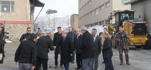 Vali Ahmet Çınar belediyenin sosyal tesislerini gezdi