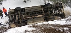 Bursa'da halk otobüsü devrildi: 1 yaralı