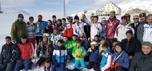 Bayburt'ta kayak il birinciliği yarışması