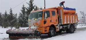 Bursa'da karla kesintisiz mücadele devam ediyor