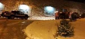 Kozlu Belediyesi karla mücadele çalışmalarını sürdürüyor