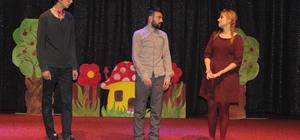 Elazığ'da 'Şarlo Mutlu' tiyatro oyunu sahnelendi