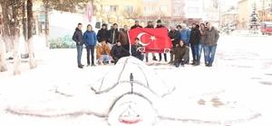 Maçın ertelenmesinin ardından futbolcular kar etkinliği düzenledi
