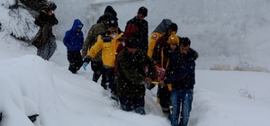 Lapseki'de kar temizleme çalışmaları