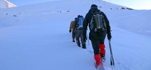 Kutup soğuklarını aşıp Kösedağ'da Türk bayrağı açtılar