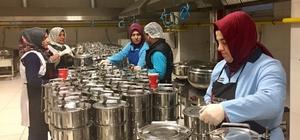Ümraniye'de bin yüz kişiye sıcak yemek