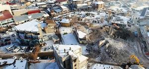 Erciş'te iş yerlerinin yıkımına başlandı