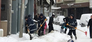 Biga belediyesi karla mücadele çalışmalarını sürdürüyor