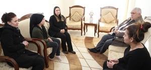 Vali eşi Yeşim Pekmez şehit ailelerine ziyaretlerini sürdürüyor