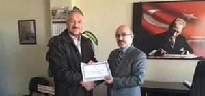 Hisarcık'ta emekli öğretmen ve personele hizmet şeref belgesi verildi