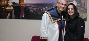 Başkan Akpınar'ın mezuniyet sevinci
