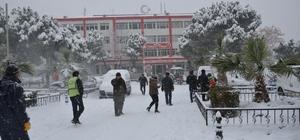 Soma ve Kırkağaç da okullar yarın da tatil edildi