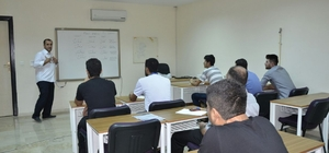 Öğrenciler gençlik merkezinde Arapça öğreniyor