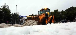 Muğla'da kar yağışı nedeniyle kapanan yollar açıldı