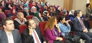 """Edremit'te """"İslam'da Kadın ve Ailede Din Eğitimi"""" konferansı"""