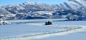 Eğirdir Gölü buz tuttu