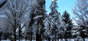 Kar yağdı, şehir merkezi beyaza büründü