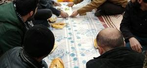 Şemdinli'de kış ortası piknik keyfi