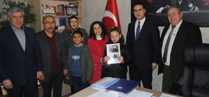 Öğrenciler aileleri ile birlikte kitap okuyacak