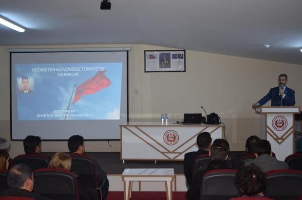 """Besni'de """"Türkiye'de Darbeler Tarihi"""" konulu seminer"""
