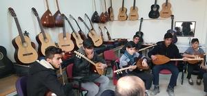 Suruç'ta ücretsiz bağlama kursu açıldı