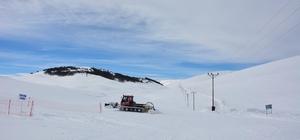 Kayak merkezinin yolu açıldı