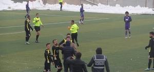 Amatör lig maçında saha karıştı