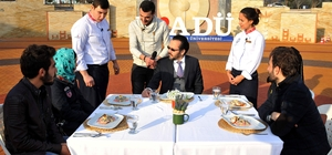 Genç aşçılar 'ÜniŞef'te hünerlerini sergiledi