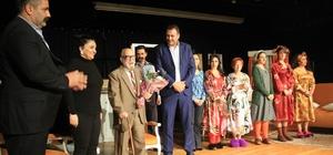 'Düdüklüde Kıymalı Bamya' adlı tiyatro oyunu Kartal'da sahnelendi