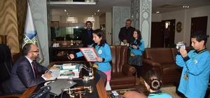 Minik gazeteciler, Başkan Üzülmez'le röportaj yaptı
