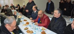 İzmit'te gazetecilere mancarlı pide ikramı