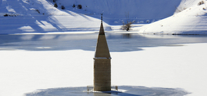 Baraj suyu çekilince cami minaresi ortaya çıktı