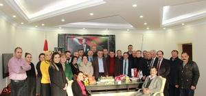 Doğum gününü belediye çalışanları ile kutladı