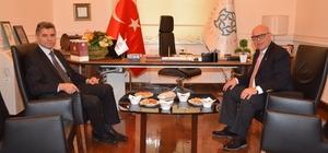 Kaymakamı Yurt'tan, Başkan Eşkinat'a iade-i ziyaret