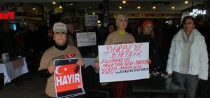 """Marmaris'te """"Türkiye için 1 dakika ayağa kalk"""" eylemi"""
