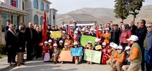 Türkoğlu'ndan Türkmenlere 5 bin battaniye