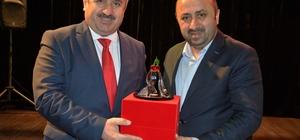 Yazar Döngeloğlu, Körfezliler'le buluştu