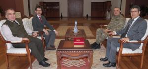 Garnizon Komutanı Koç ve Kurmay Balkanı Özaslan'dan Rektör Taş'a ziyaret
