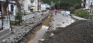Laka Deresi çevresine yağmur suyu kanalları yapıldı