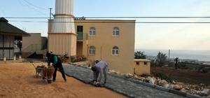 Erdemli Belediyesi'nin camilere hizmeti devam ediyor