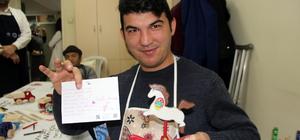 Engellilerden Halepli çocuklara oyuncak