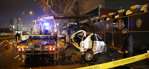 Başkentte yolcu minibüsü polis aracına çarptı: 3 yaralı