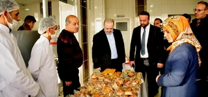 Tuşba'da 'Beyaz Bayrak Güvenli Gıda Başarı Belgesi' dağıtımı