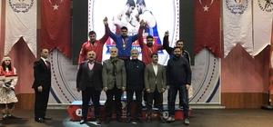 Kağıtsporlu güreşçi Faruk Akkoyun Türkiye Şampiyonu oldu