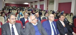 Erzurum'da liseli öğrenciler ünlü yazarlarla buluşmaya başladı