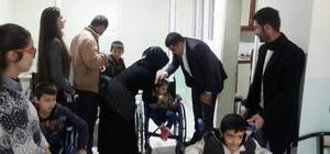 Ergani'de 26 engelliye tekerlekli sandalye dağıtıldı